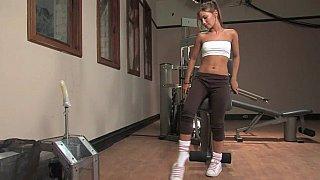 Cute teen Dakoda Brookes & pussy stretching machine