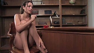 Amber Rayne gets her ass screwed with the machine!