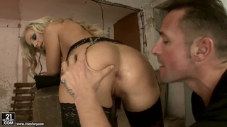 Hot blonde bitch Barbie White having her mouth and ass fucked