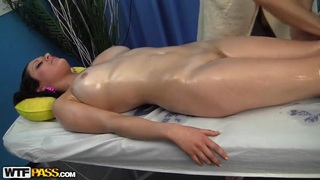 Awesome massage done to the sexy babe Mandie