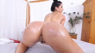 Big beautiful Latina ass riding good
