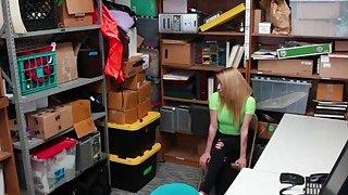 LP Officer let shoplifter Alexa Raye suck his cock