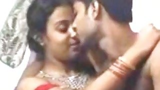 Bangladeshi slut and horny dude have fuck session in bed