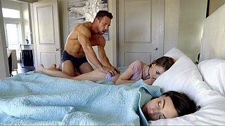 Real Daddy (中出)creampie daughter(娘) HD XXX Videos | Redwap.me