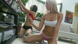 Sporty babes Suzanne Kelly & Victoria White return from jogging