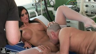 Scorching black haired babe Cloe gets boned in the hospital