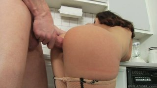 Mark Wood stretches Liza del Sierra's asshole in the kitchen