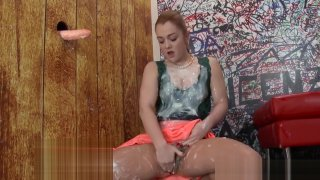 Glam wam whore rubbing