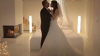 Busty Honeymoon Hd Xxx Videos Redwap Me