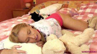 Madre Con Hijo Los Pilla A Papa HD XXX Videos   Redwap.me ▶22:20